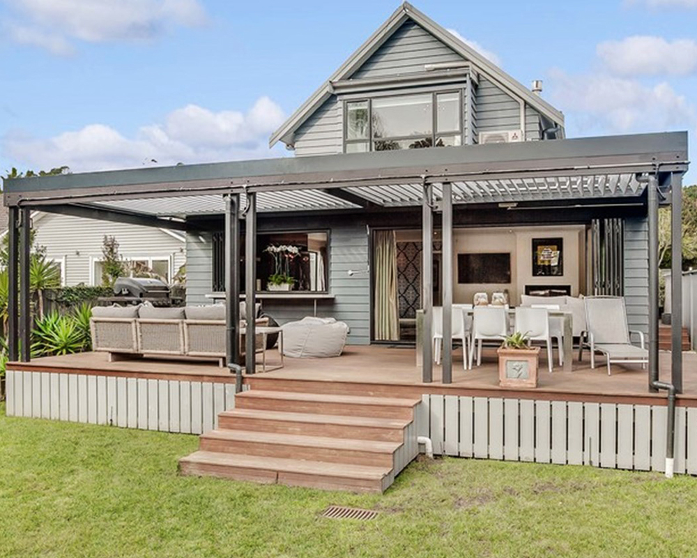 Deck builders auckland specialising in outdoor rooms for Best place for decking
