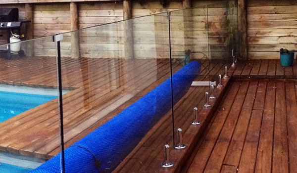 glass-pool-fencing-600