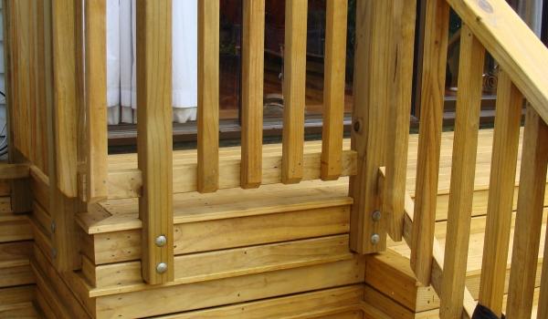pine-wood-handrail