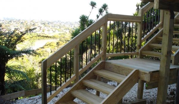 wood-aluminium-handrail-steps